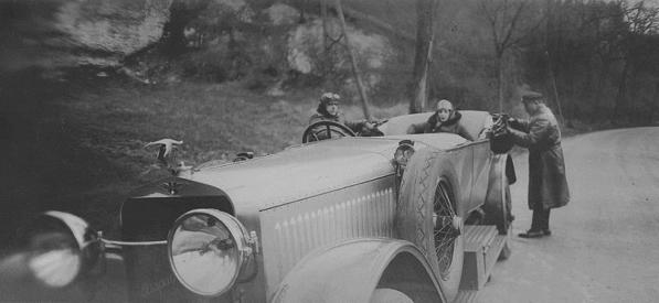 Jacques-Henri-Lartigue. Bibi, Mamie, Jean le chauffeur (1927)