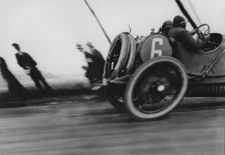 Jacques Henri Lartigue. Grand Prix ACF, Dieppe (1912)