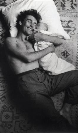 Jacques Henri Lartigue. Dany et son fils (1944)