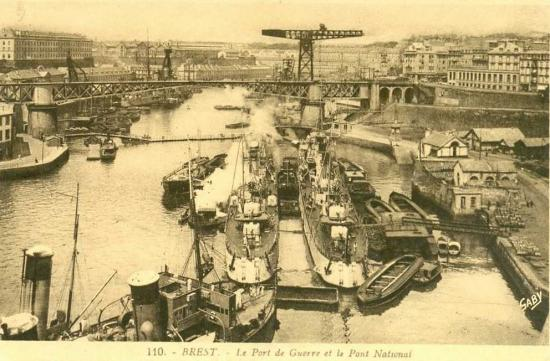 port-de-guerre-et-pont-national.jpg