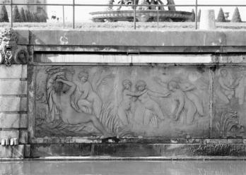 Francois Girardon. Le bain des nymphes (1670)